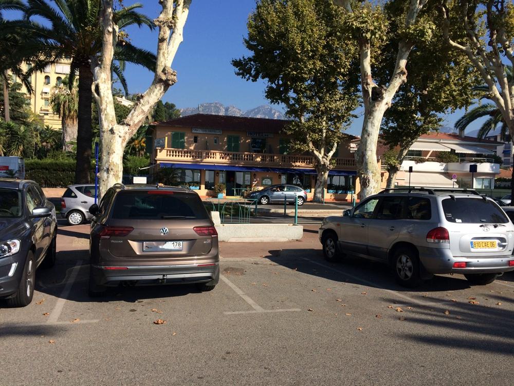 VW Tiguan на отдыхе. Лазурный берег, Франция.